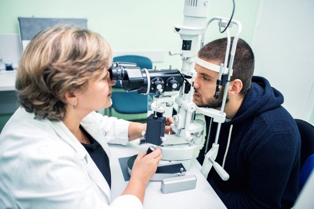 Eye exam assesses LASIK surgery risk